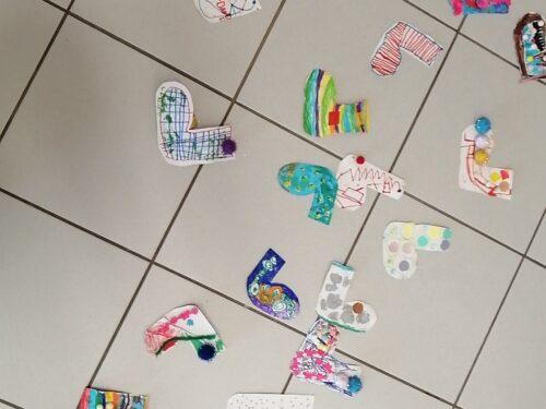 La giornata dei calzini spaiati a Caniga